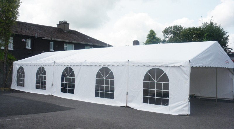 As far as 200 person tent is concerned, it will be good to have a 40' x 60' 2400 sq ft for seating